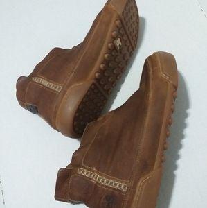 Sorel.Men' s ankle lather boots _ size 13us.